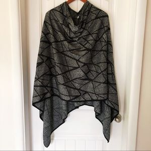 GILMOUR geometric poncho sweater
